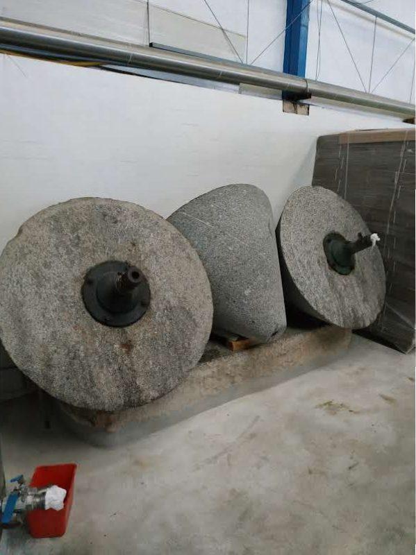 anciennes presses en pierre