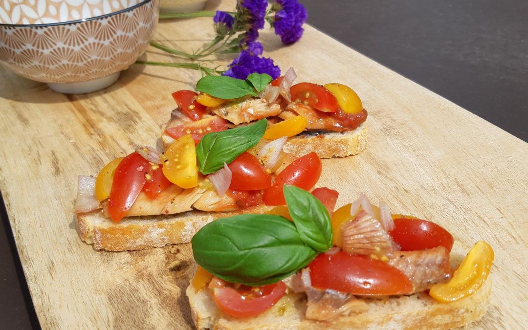 Tapas de sardines à la sauce tomate et sa salade de tomates