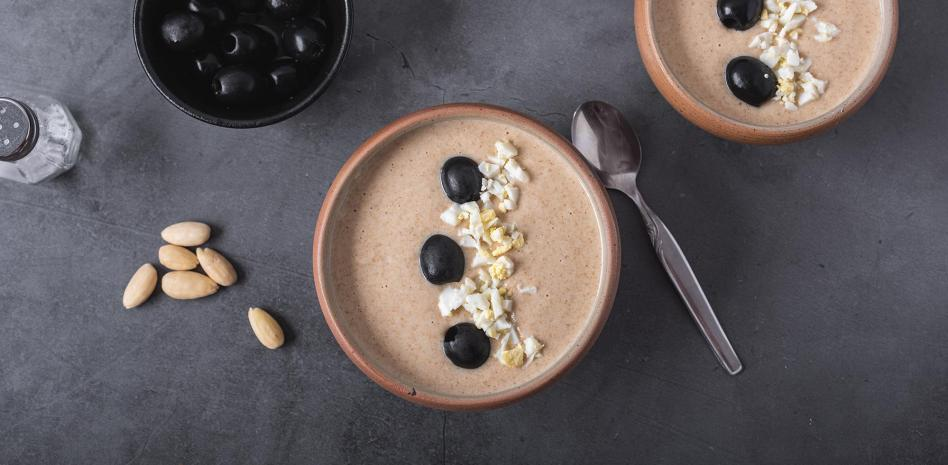 La mazamorra Cordobesa – recette de la Soupe froide aux amandes de cordoue